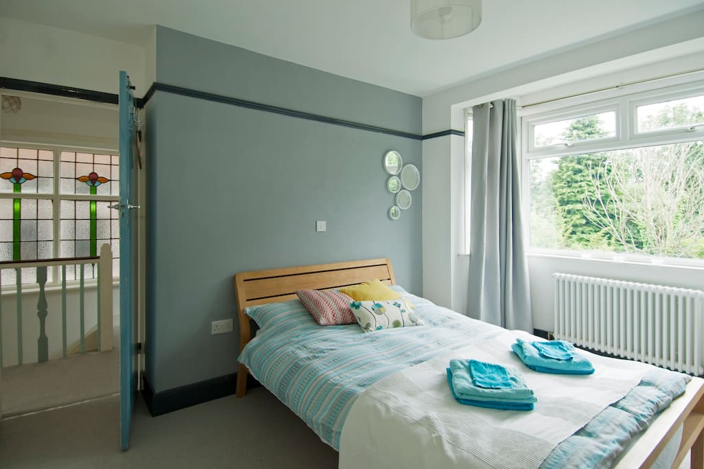 Modern and sunny double bed room