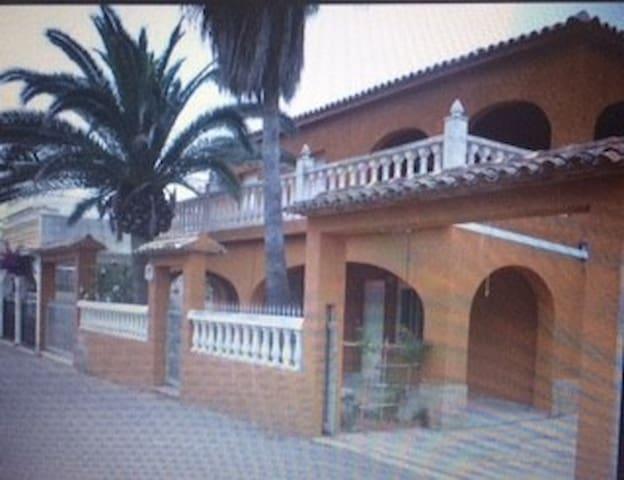 Relax a primera linea de Playa - Oliva - House