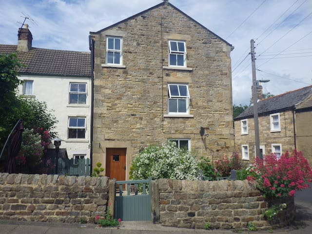 Melbourne Place Bed and Breakfast - Wolsingham - Bed & Breakfast