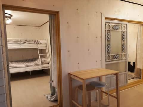 [리뉴얼] 시내.방2개.최대6인 독채.관광도보.전용욕실.주차.마당.야시장.깨끗침구:)
