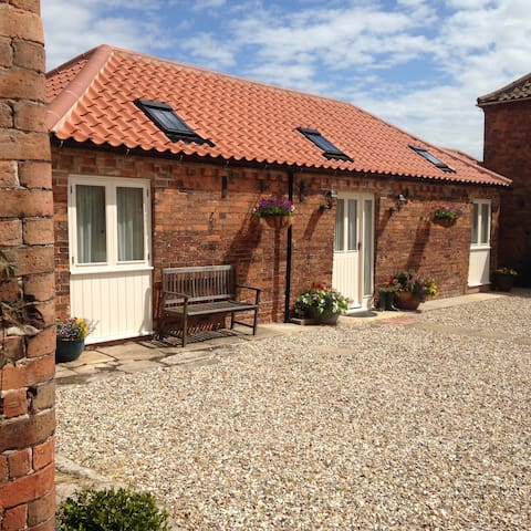 Stable Cottage - renovated stables! - Laneham, Nr Retford - Talo