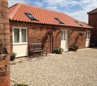 Stable Cottage - renovated stables! - Laneham, Nr Retford