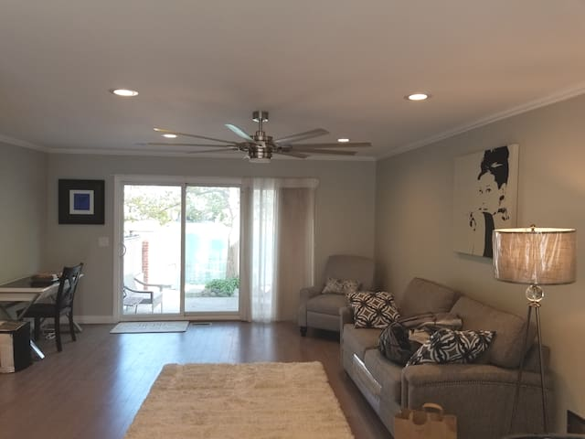 Custom & Gated Waterfront Townhouse off Riverfront