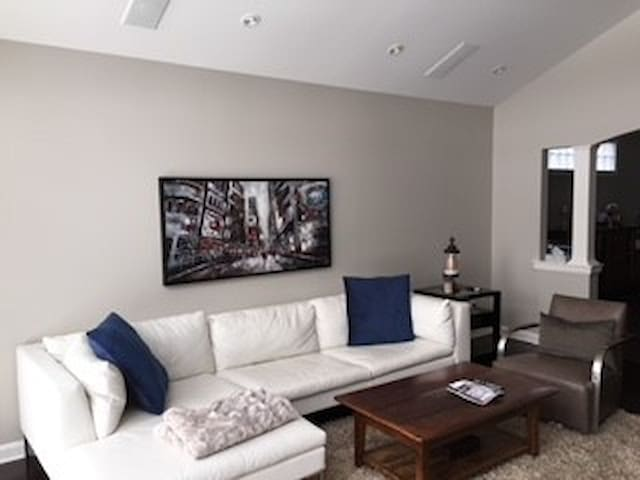 St. Catharines Home with a View - 2 Bedrooms