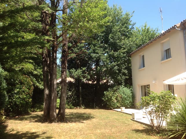 Large house 8mn from Poitiers - Mignaloux-Beauvoir - House