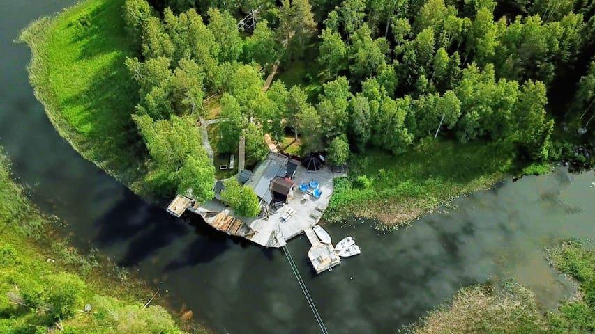 Amazing cabin on private island