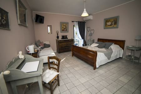 Chambre Guy de Maupassant - Bed & Breakfast