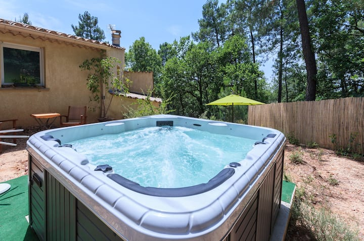 Charming Lodge with privat SPA in Privat Garden