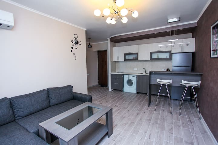Sunny and nice flat on Mashtots av. - Erevan