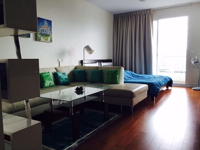 New nicely furnished studio - Bangkok