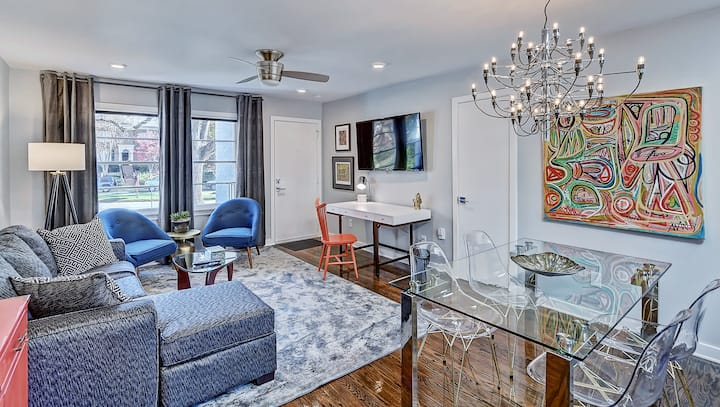 Eclectic Mid Century Modern Apartment w/ Luxe Bath - 1 Mile to Uptown