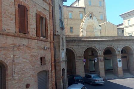 Casa in Centro Storico - Montegiorgio