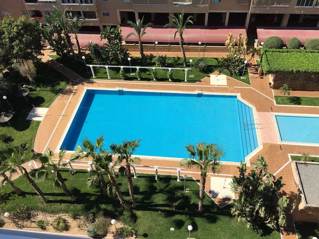 Beautiful apartment with Netflix, tenis and beach