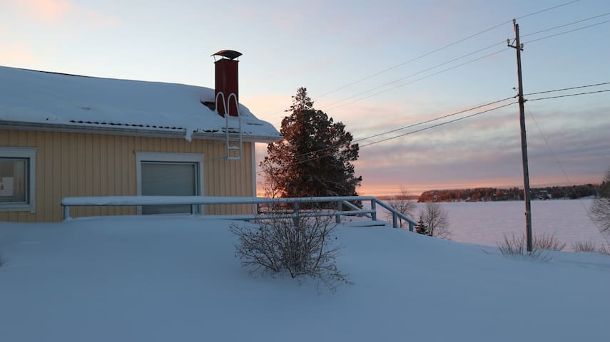 Fiew to riverside from the house during the winter.