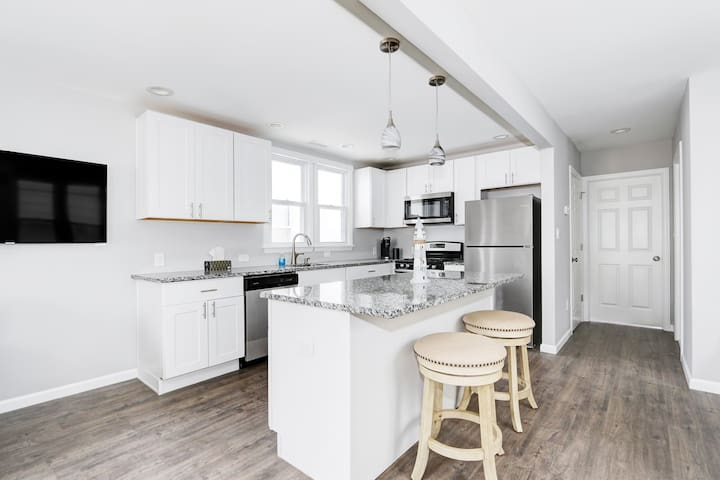 Upscale Ventnor home NEWLY RENOVATED!