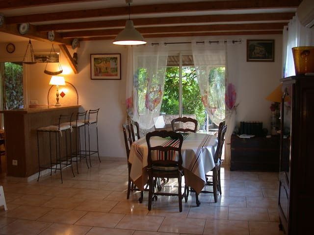 Maison confortable pour 6 Pers en pleine nature - Montfort-sur-Argens - Villa