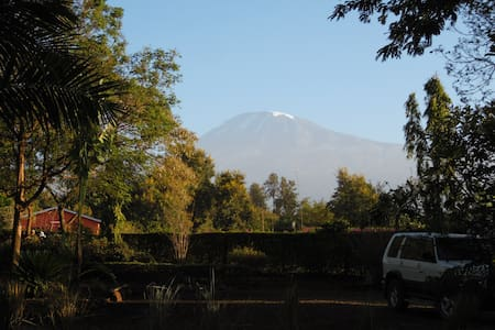 More Than A Drop B&B 4 - Kili view -  Moshi Urban Kilimanjaro Tanzania - Oda + Kahvaltı