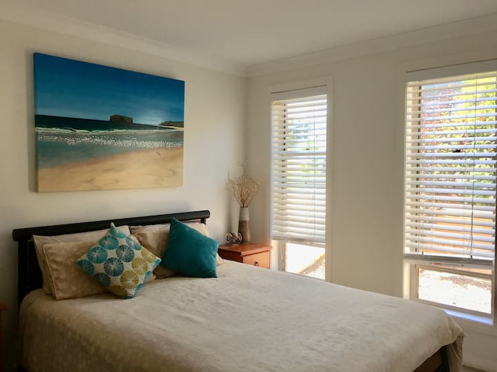 A Beach Escape with beautiful views (1 bedroom BB)