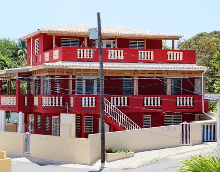 Casa Roja - Palm 2 Bedroom Apt