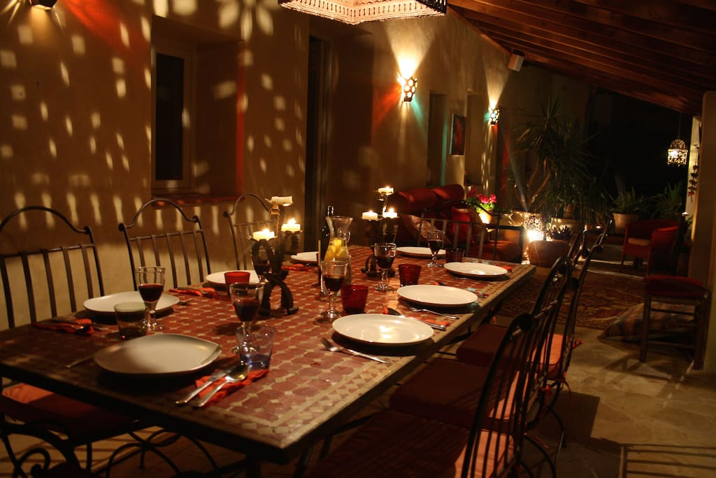 Dine outside in a moroccan atmosphere