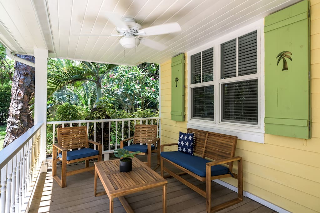 Relax on the front porch and say hello to the friendly neighbors in the Sailboat Bend neighborhood.  This is a perfect spot for morning coffee.