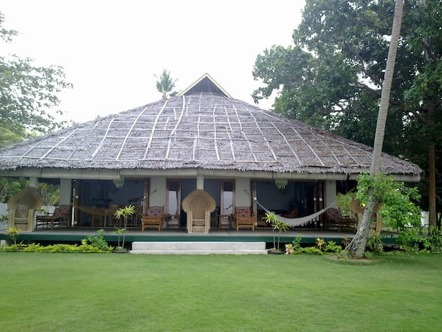 LUXURY HOUSE ON THE BEACH SIQUIJOR - San Juan - Rumah