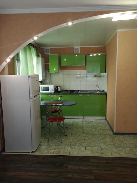Большая и уютная студия с свежим ремонтом в центре