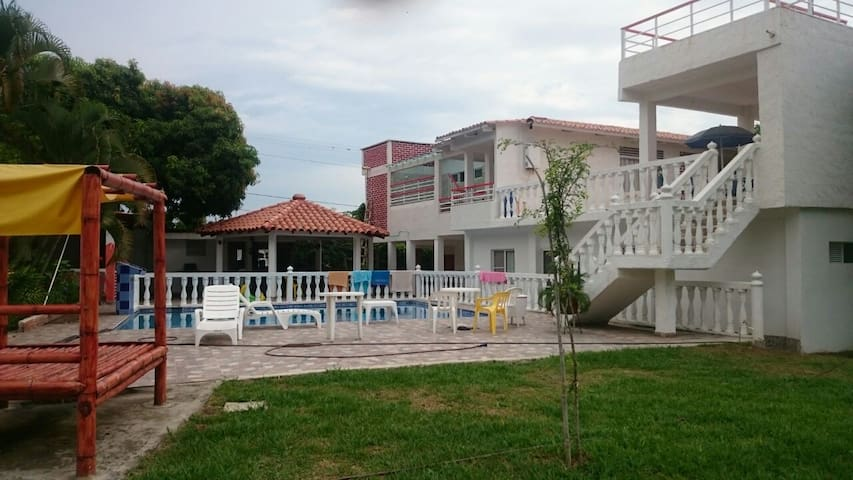 Relaxing countryside apartments - Santa Elena - Villa