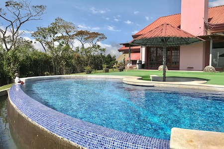 DREAM VILLA with HORIZON POOL & OCEAN VIEW - San Ramón  - วิลล่า