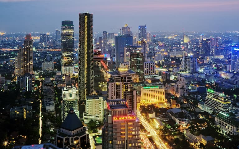 NEW HIGH RISE! GREAT LOCATION! MRT! - Bangkok - Condominium