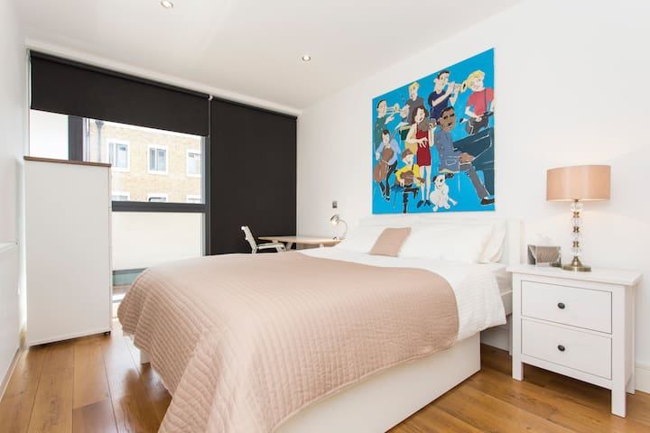 Comfortable double room with private bathroom - Londres - Apartamento