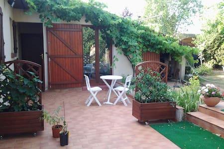 Chambre sur jardin - Champhol - Casa