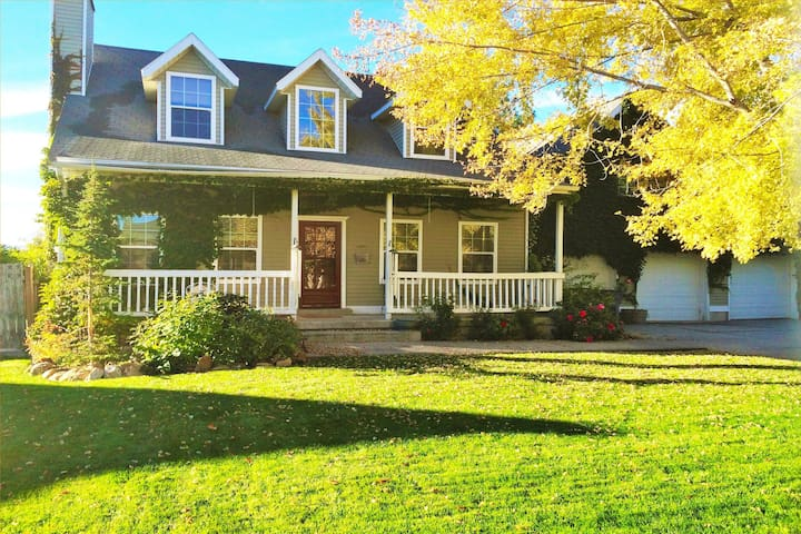 Huge 5BR Home Just South of City - South Jordan