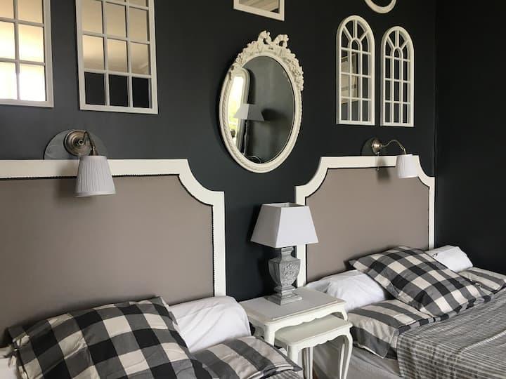 Bed & Breakfast*Le Pavillon*Chambre Grise