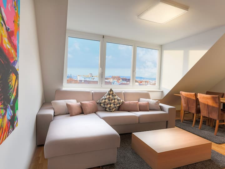 SKY9 Penthouse Apartment with terrace and city view