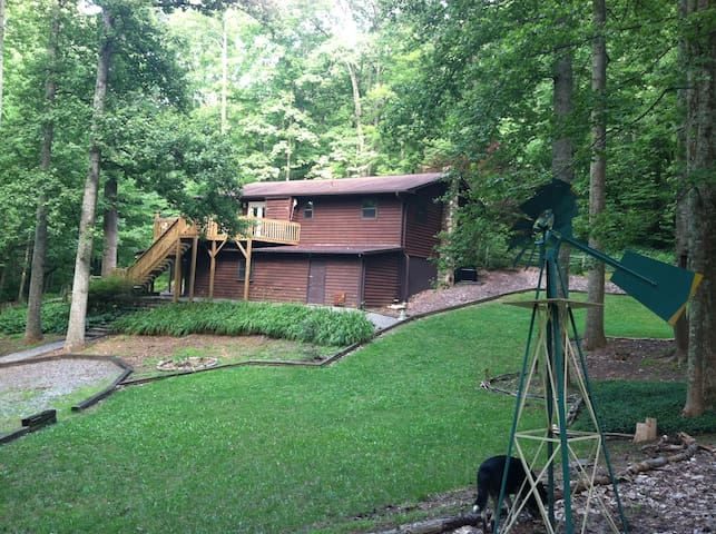 Serene and Peaceful Mountain Home - Hendersonville - บ้าน