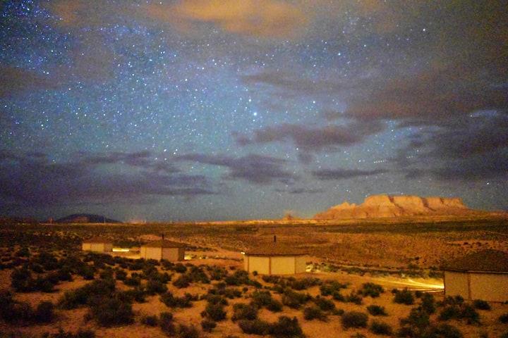 Antelope Canyon Hogan/(Exclusive) Hiking tour stay