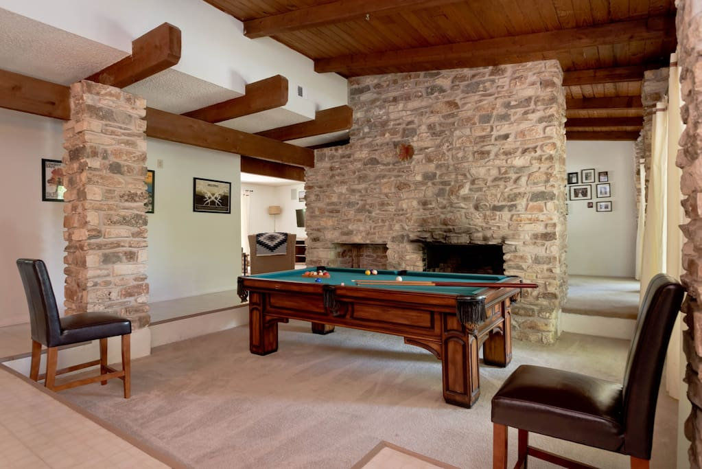Sitting area with fireplace! (pool table is now gone)