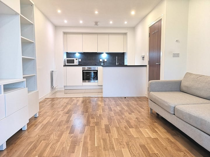 Fantastic One Bedroom Apartment In London