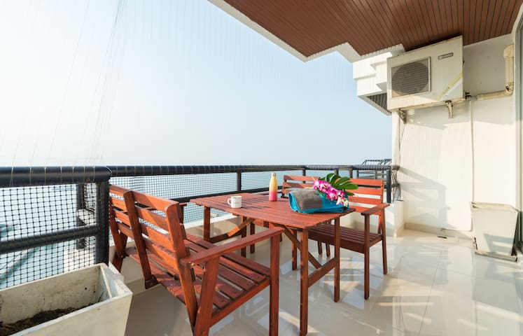 Sri Racha 2 bedrooms with amazing view - Laem Chabang - Apto. en complejo residencial