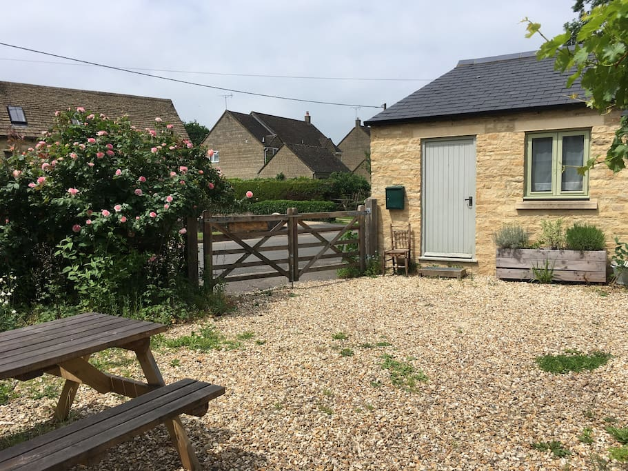 The front of the annexe with picnic area available for guests