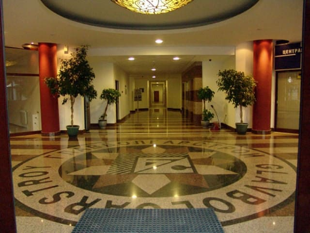 The entrance of the hotel