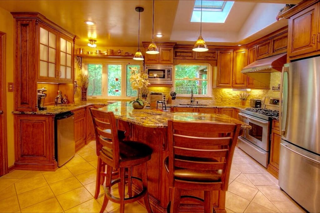 Cook a meal in this fully equipped gourmet kitchen.