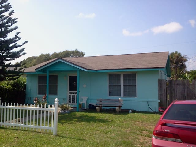Vacation Home very near the Beach - St. Augustine - House