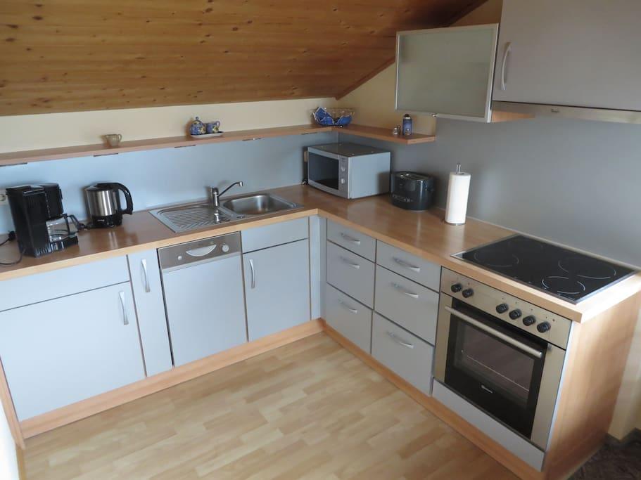 Komplett ausgestattete Einbauküche