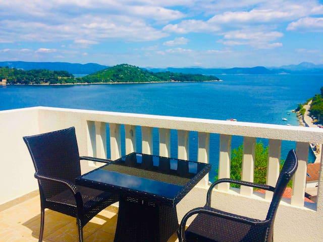 Stunning Sea View Apartment 2+1