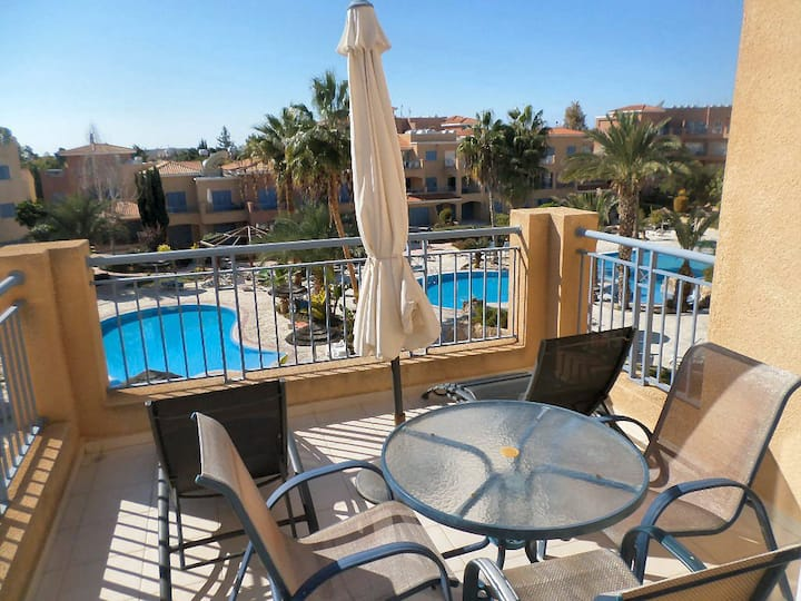 Charming pool facing apartment in Limnaria Gardens