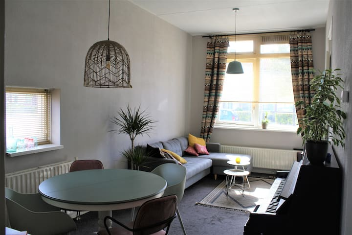Cosy appartment with outside terras, center nearby
