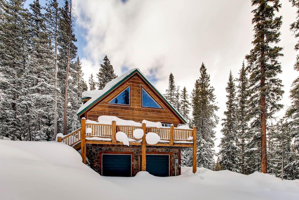 c j 39 s mountain hideaway beautiful log cabin cabins for