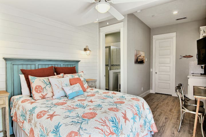 Trout Street: ON MARINA, Loft Living, Outdoor Seating, CENTRAL, Ocean Air